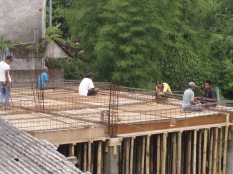 https://julieinbali.wordpress.com/2011/12/03/building-work-developments/
