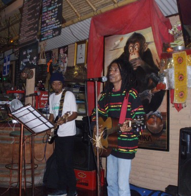 Yaniq with Fredi Marley - playing 'Bali' (with my lyrics)