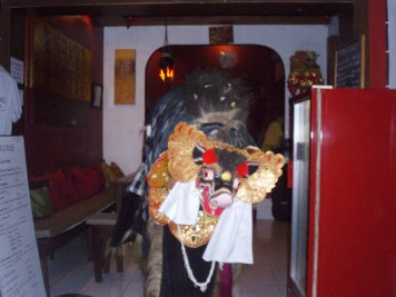 Childrens Barong dancing in Devilicious Warung
