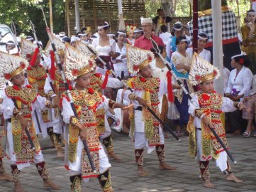 Baris Gede performance for a ceremony