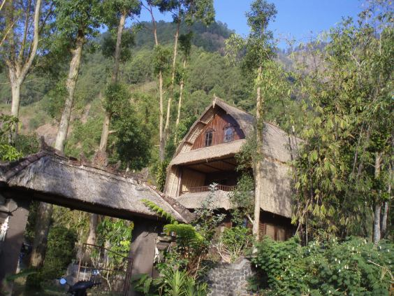 The pretty 3 storey Lumbung, nestling in the mountainside