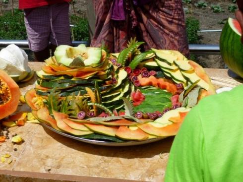 Fruits representing a volcano