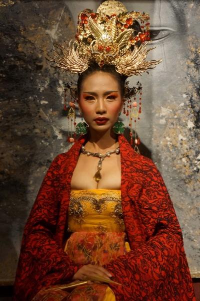 03-Queen Phoenix -Curse Of The Golden Flower(1)