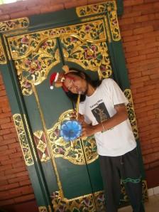 Yaniq in Christmas spirit