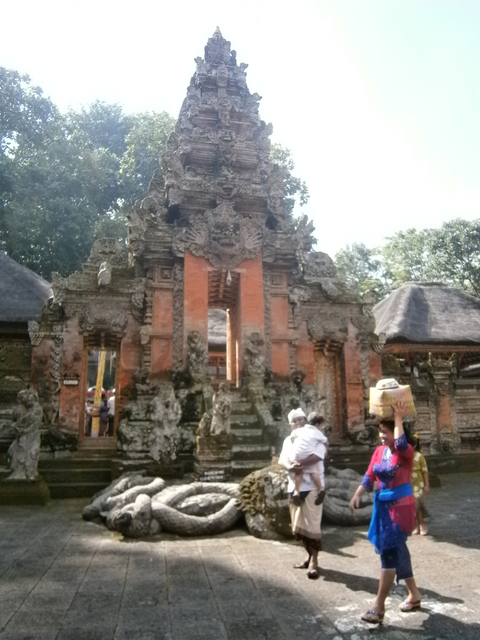 Stunningly beautiful temple entrance