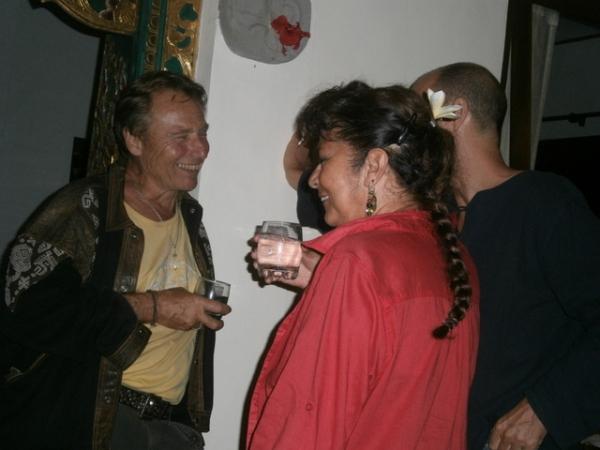 Francoises chatting to Sandhi