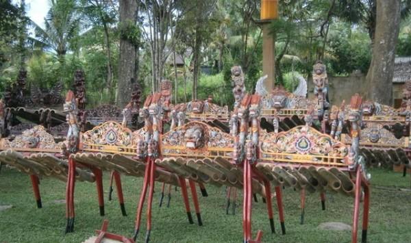 Jegog gamelan - giant bamboo instruments