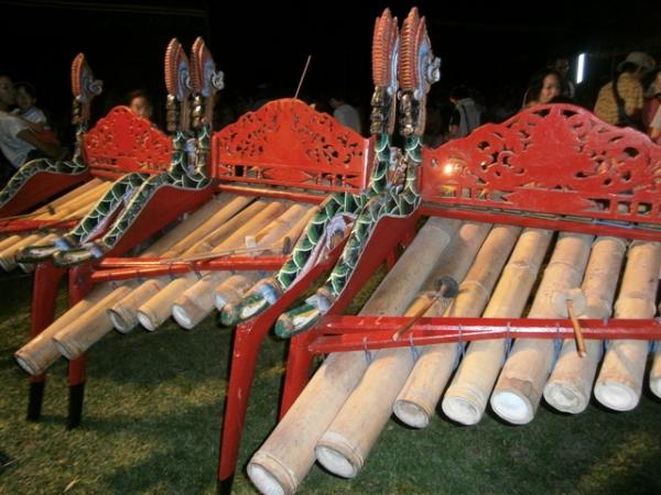 Like organic xylophones