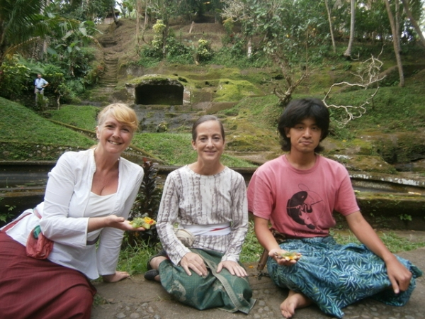 Me, Diana and Brandon in front of the meditation niche
